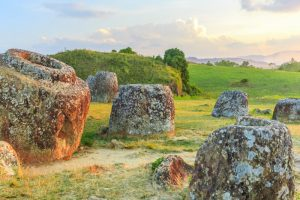 Beautiful plain of ancient jars